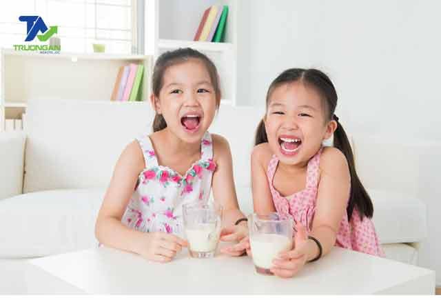 Sữa Honilac Premium 2 cùng con phát triển chiều cao