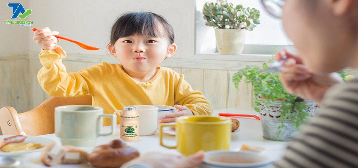 truongan-tieu-chi-lua-chon-sua-tang-cuong-suc-de-khang-cho-be-me-can-biet-01